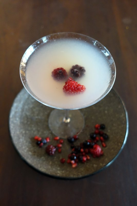 Rosie Lee gin, lemon, rosewater, berries